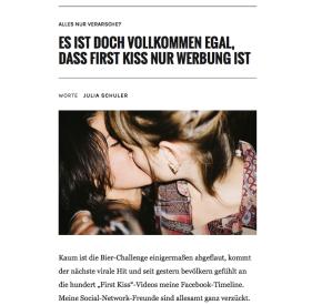 »First Kiss« aufAMY&PINK
